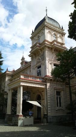 Kyu Iwasaki-tei Teien: main building
