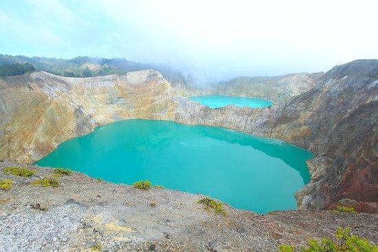 Mount Kelimutu: Kelimutu lake- Ende - Flores.