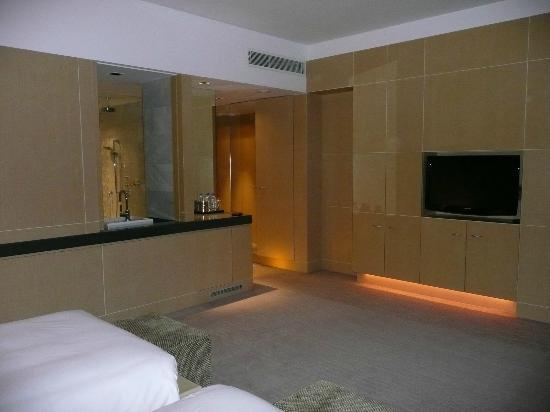 Hyatt Regency Dushanbe: Zimmer - Bad auf linker Seite