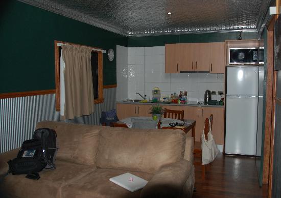 Pine Creek Railway Resort : Kitchen