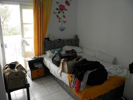 Margarita Hotel: letto centimetri 120 !