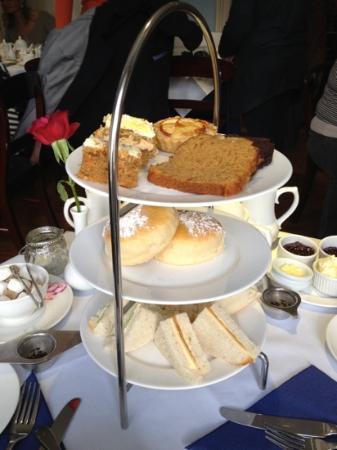 The Regency Tea Rooms: Very nice afternoon tea!