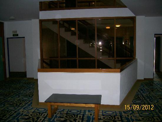 Ola Hotel Maioris: Stairway