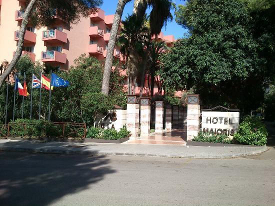 Ola Club Maioris: Entrance
