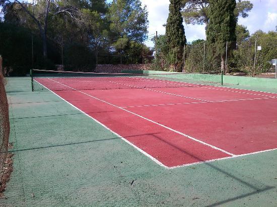OLA Hotel Maioris: Tennis court