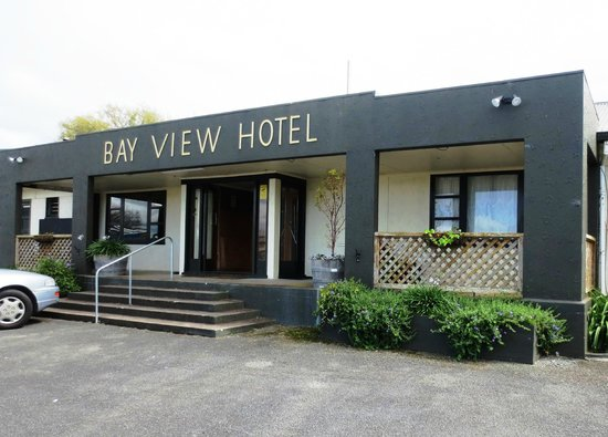 Kaiaua, New Zealand: Bay View hotel entrance