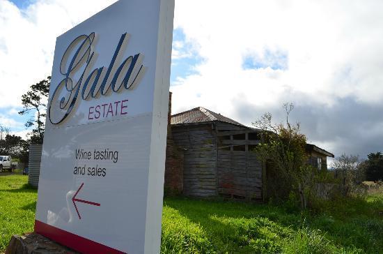 Gala Estate Vineyard: Gala Estate sign.
