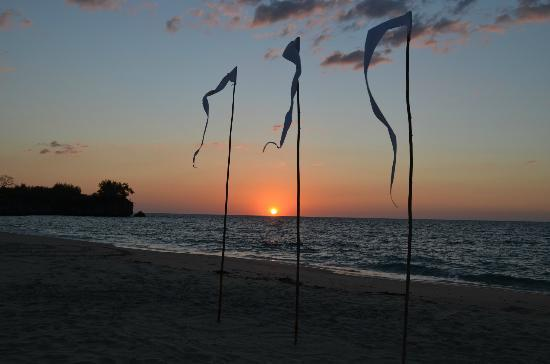 Anjajavy L'Hotel : Sunset from the beach