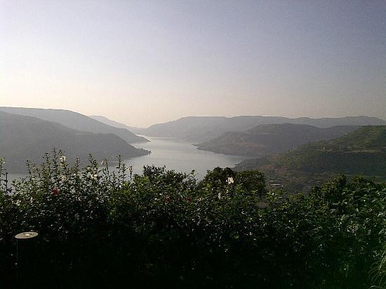 Ekaant the retreat : Lake