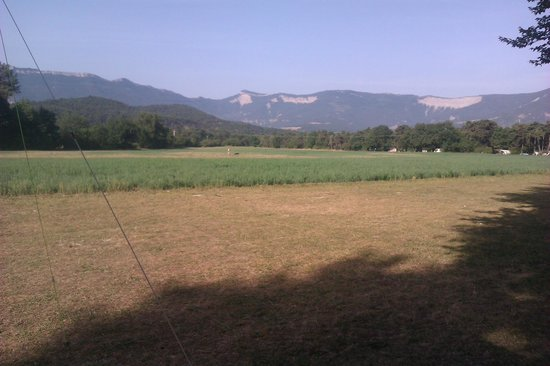 Camping l'Hirondelle: View from pitch