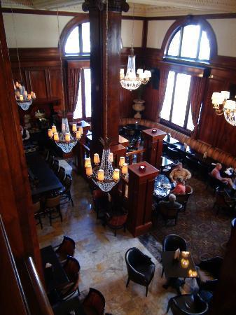 Benson Hotel: Sensational lobby!