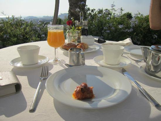 Hotel Rural Es Trull de Can Palau: Yummy breakfast