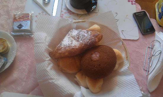San Sebastiano Holidays: dolci della prima colazione