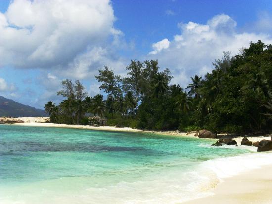Yarrabee : Unbewohnte Insel südöstliche Lage, Badestopp + Barbecue