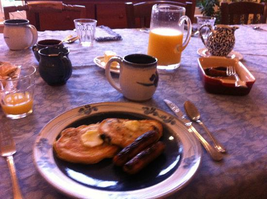 Cornwall Orchards Bed and Breakfast: Breakfast!