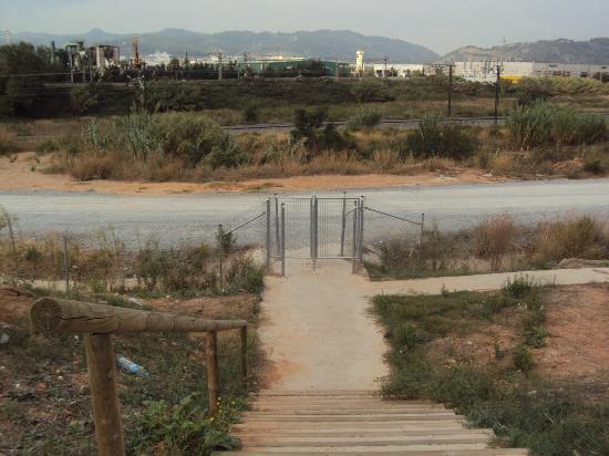 سيركوتيل إيه إس هوتلز بورتا دي برشلونة: THE ROAD THAT LEADS YOU TO THE TRAIN STATION 2 