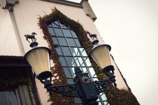 The Dunloe: Hotel entrance