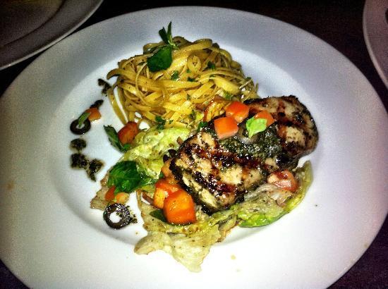 77 Bar and Restaurant: Tuna Pesto