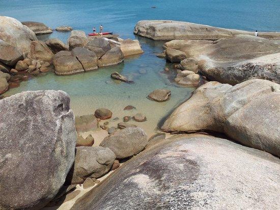 Hin Ta & Hin Yai Rocks : บริเวณหินตาหินยาย