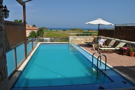 Corali Villas: piscina e vista mare