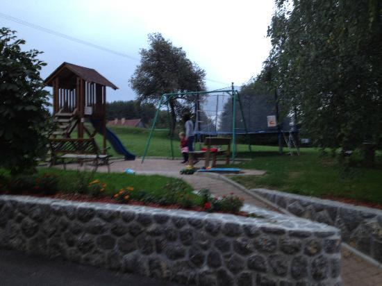 Guesthouse Mesec Zaplana: Playground