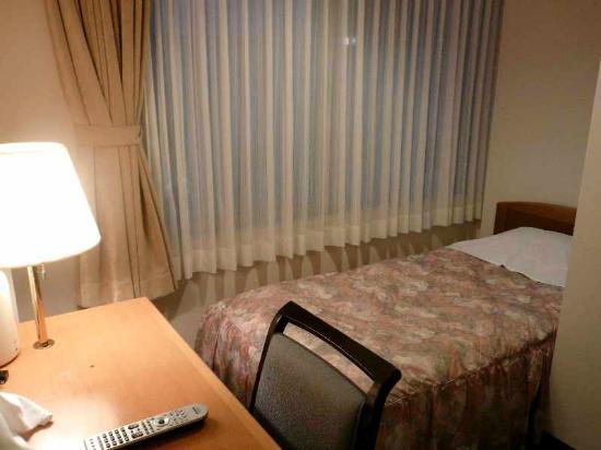 Hotel Miyuki: 4 「バス無しシングル」客室(窓側)