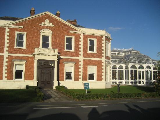 Doubletree by Hilton Chester: ESTERNO DELL'HOTEL