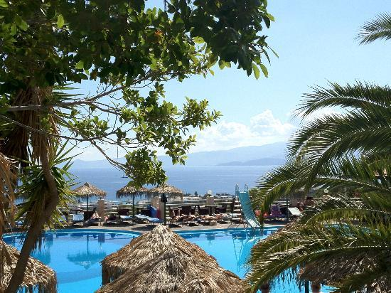 Elounda Water Park Residence : Pool area