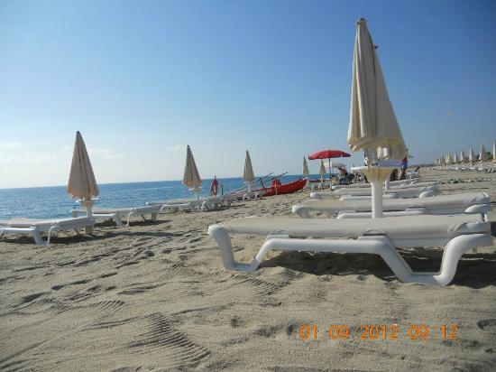 Calalandrusa Beach Resort: Spiaggia