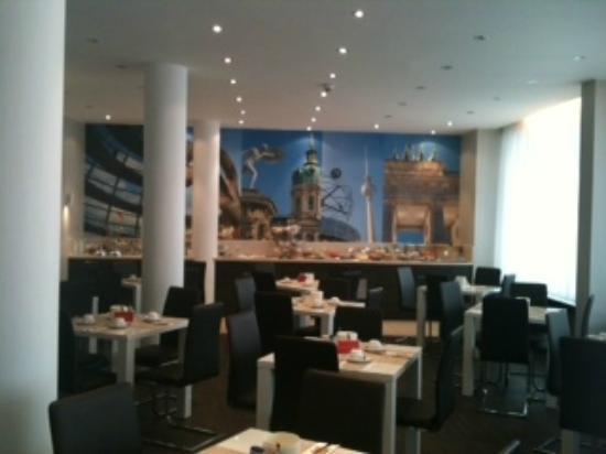 Novum Hotel Lichtburg am Kurfürstendamm: Speisesaal im Erdgeschoss