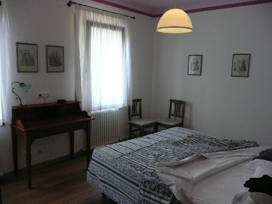 Agriturismo Villa Selvatico : Bedroom Il Glicine