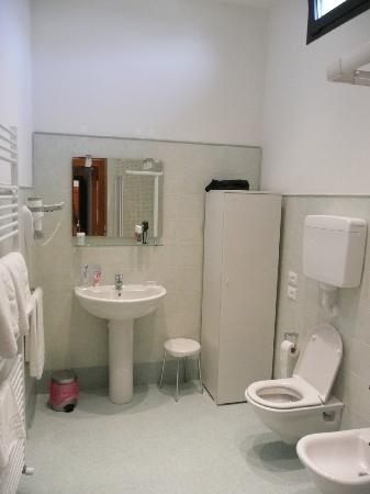 Agriturismo Villa Selvatico : 2nd Bathroom Il Glicine