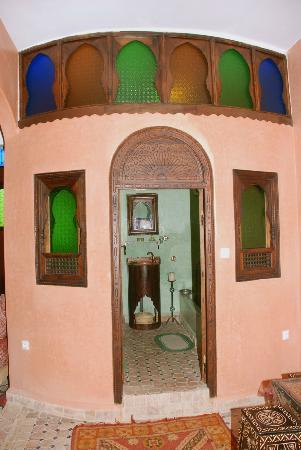 Riad Lahboul: Bathroom of the Chleuhowi bedroom