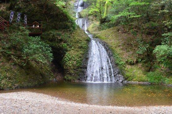 Shinshiro, ญี่ปุ่น: 阿寺の七滝