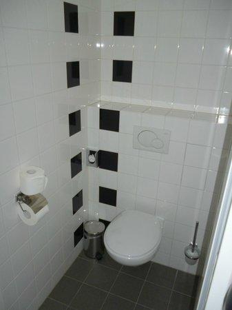 WestCord Art Hotel Amsterdam: baño