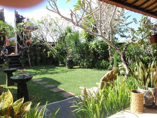 Wayan's Guest House: Garden