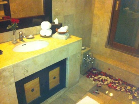 Barong Resort and Spa: Salle de bains