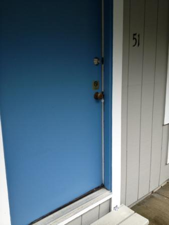 Captains Quarters Motel and Conference Center: key in the door!!!