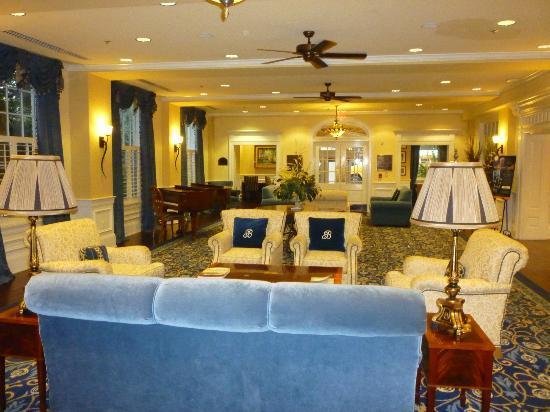 Boone Tavern Hotel: Lobby area