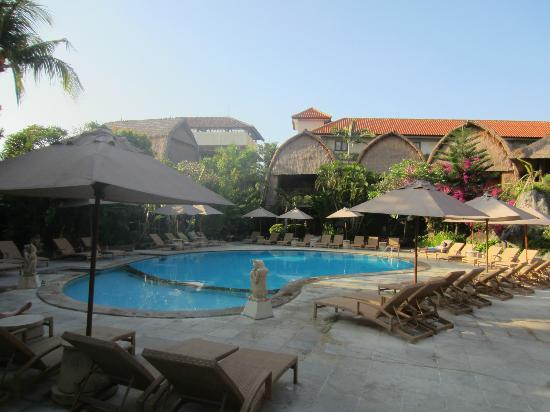 Ramayana Resort & Spa: Pool area