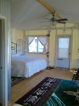 K3 Guest Ranch Bed & Breakfast: King Bed with View