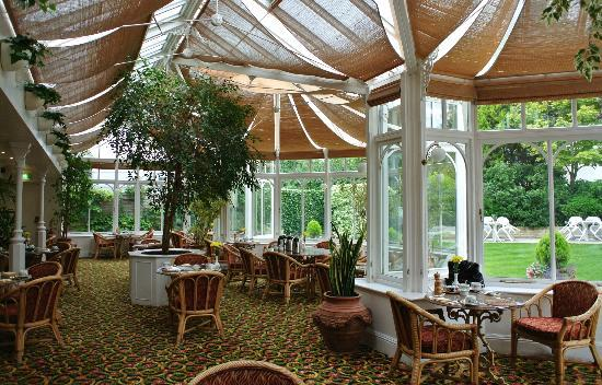 Arundel House Hotel: cosy and quiet restaurant in the Conservatory