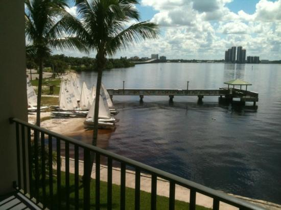 BEST WESTERN Fort Myers Waterfront: Kid's enjoying a little sail boating.