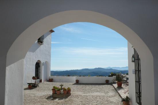 Hotel La Fuente del Sol: VUE DEPUIS LA RECEPTION