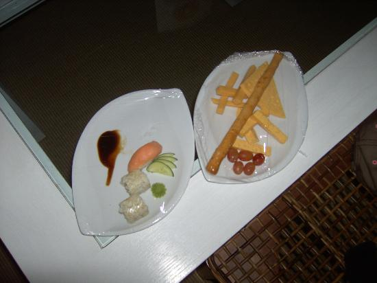 The Makadi Spa Hotel (Adults Only): Appertisers delivered to the room early evening