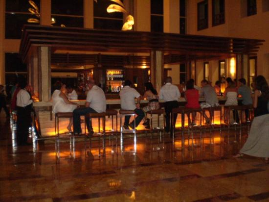 Excellence Playa Mujeres: Martini Bar