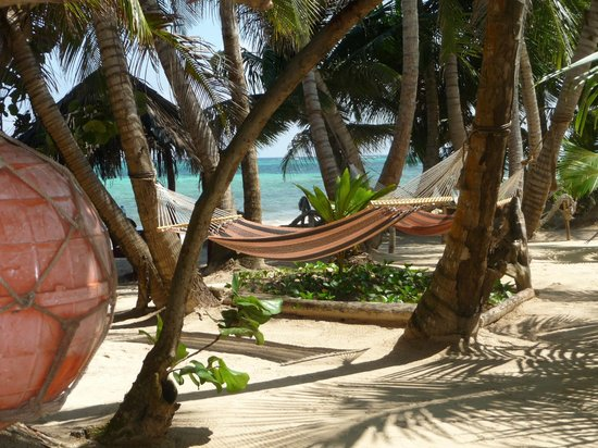 The Turned Turtle Restaurant at Little Corn Beach and Bungalow: Dine on the beach and enjoy a hammock nap after!
