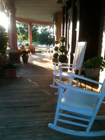 The Grandison at Maney Park: Expansive wooden front porch with rocking chairs- lovely!