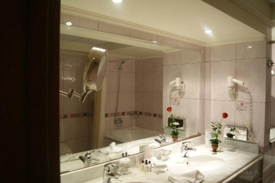 Maritim Jolie Ville Golf & Resort: Bathroom
