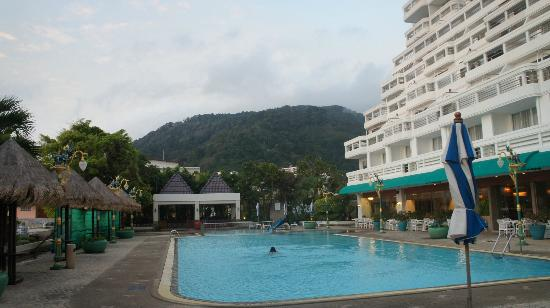 Andaman Beach Suites Hotel: main pool
